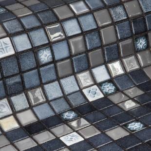 Стеклянная облицовочная мозаика модели Silver Bits